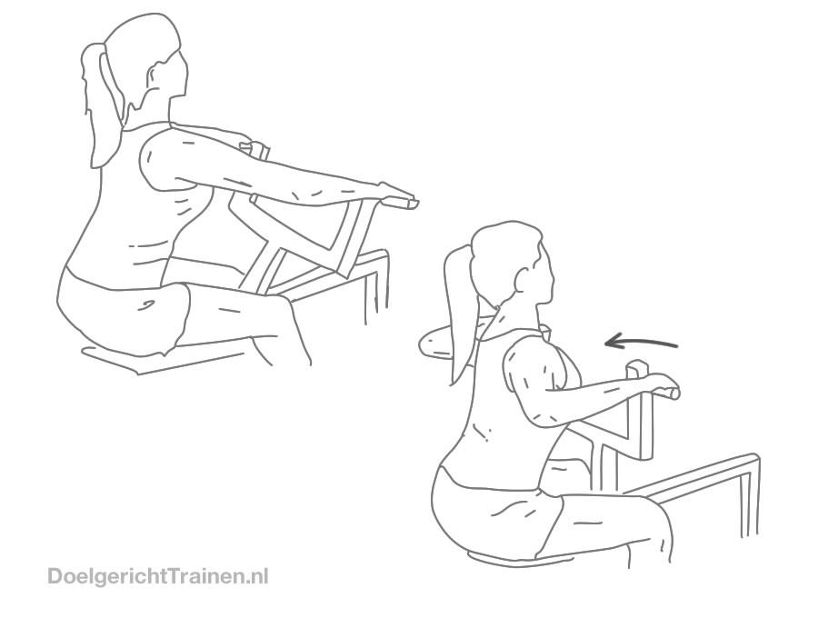 Fitness oefeningen rug - roeien met machine