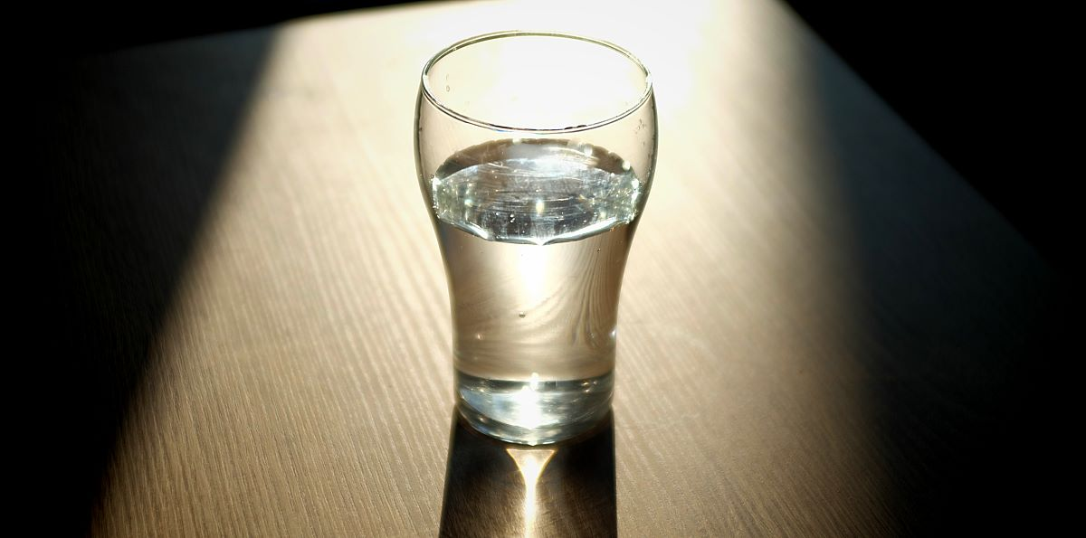 Intermittent Fasting - afbeelding 3 - glas water